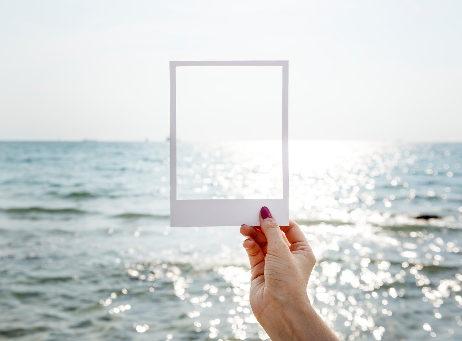 frame hand location ocean